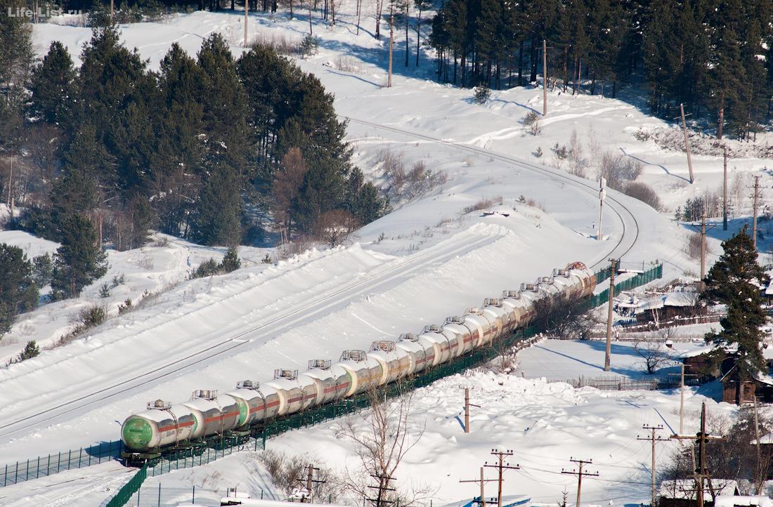 железнодорожный состав в тупике