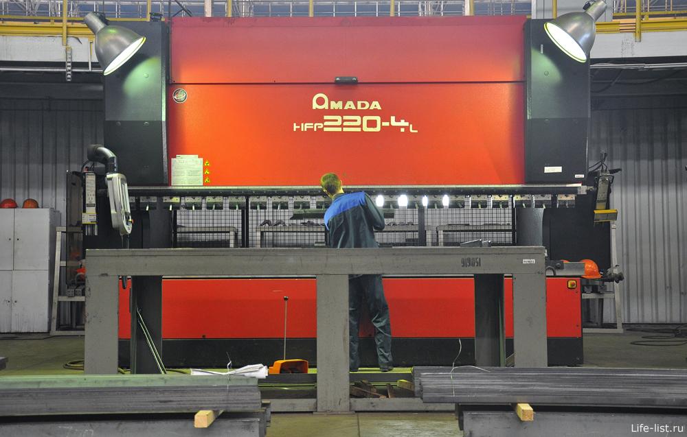 Японский металлорежущий комплекс Amada