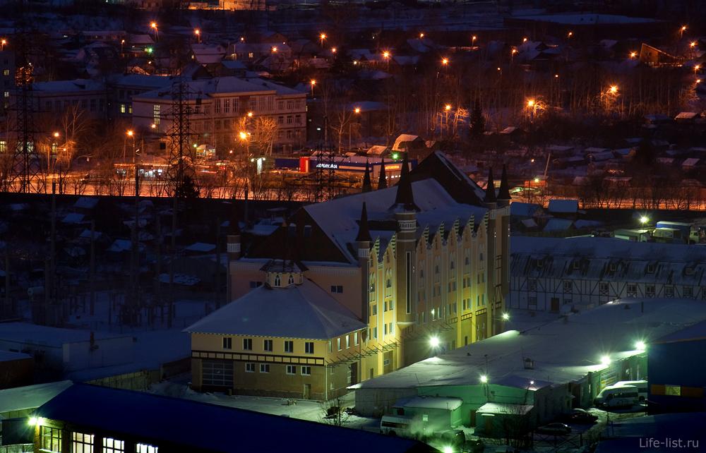 улица Вилонова здание замок Екатеринбург