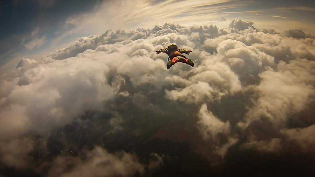 винг в небе фото вингсьют красивое фото