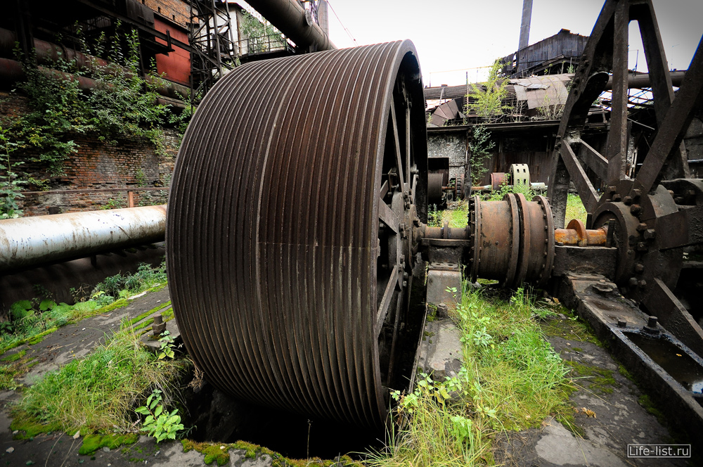 огромное колесо фото металлургический завод фото