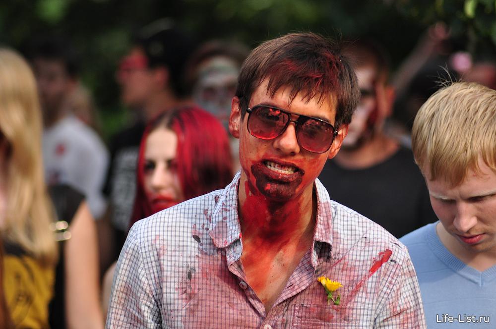 шествие мертвецов зомби в Екатеринбурге
