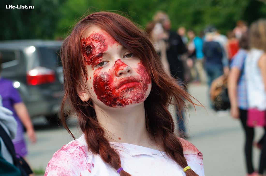 девушка зобми на параде Зобми флешмоб в Екатеринбурге