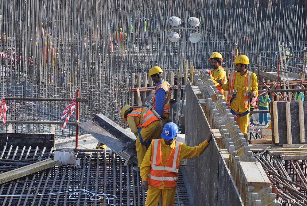 Строительство небоскреба в Эмиратах