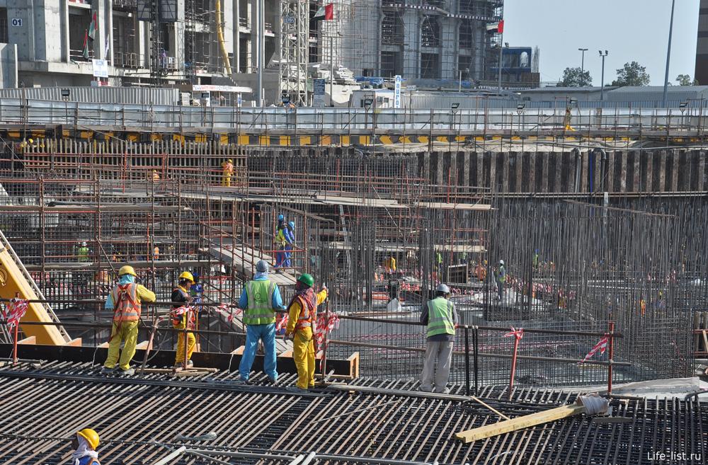 Абу-Даби. Стройка небоскреба