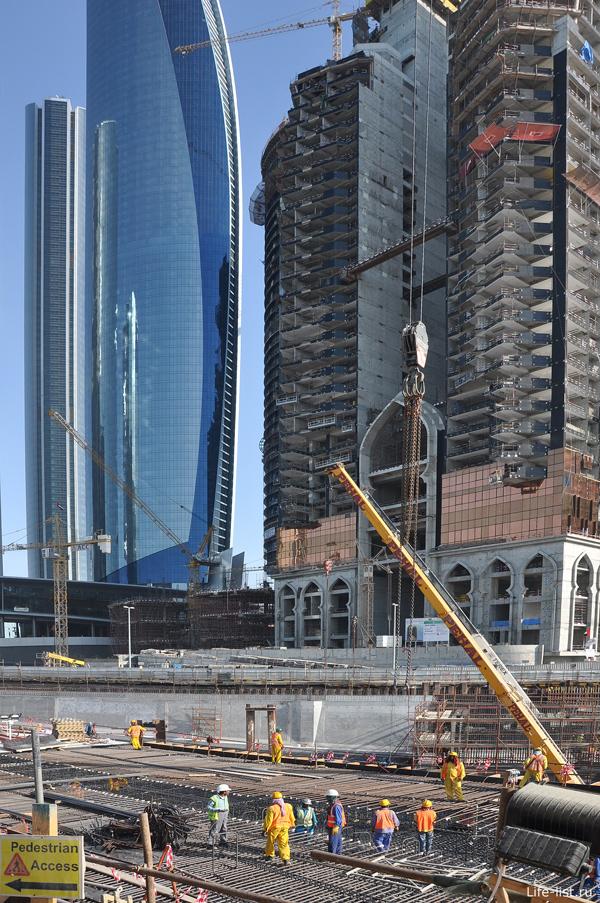 Абу-Даби. Строительство