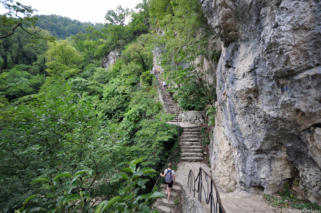 историческая тропа по ущелью Пцырцха