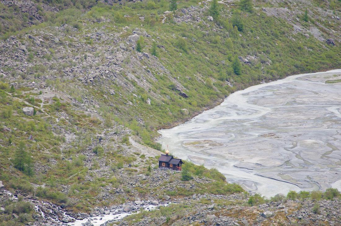 часовня в память о погибших альпинистах Алтай
