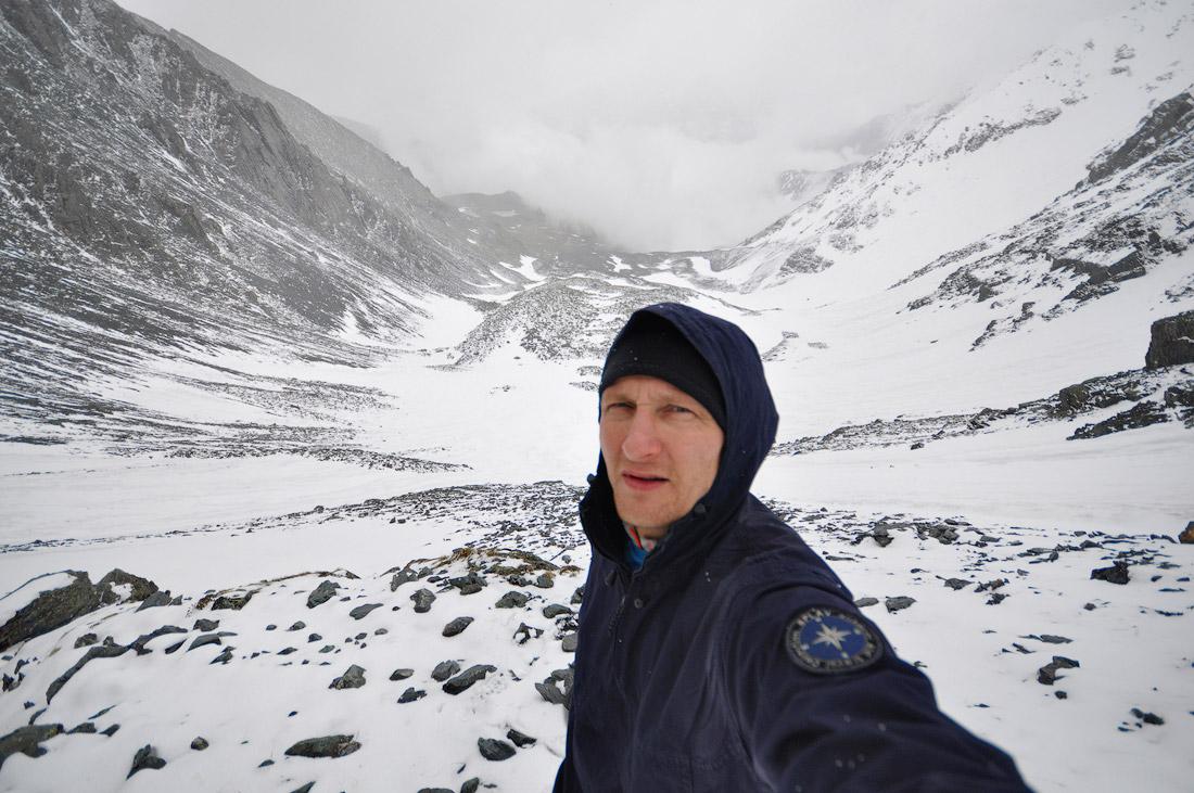 На перевале Рига Турист Виталий Караван Алтай
