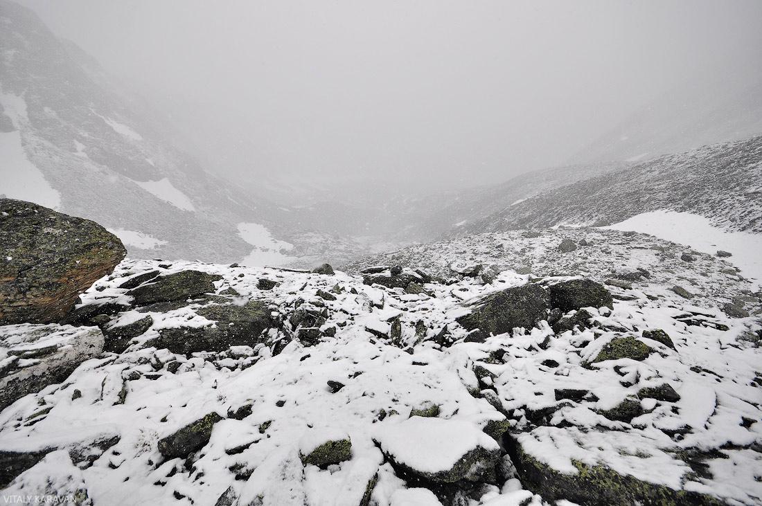 Перевал Рига турист Алтай в направлении Кучерлинского озера