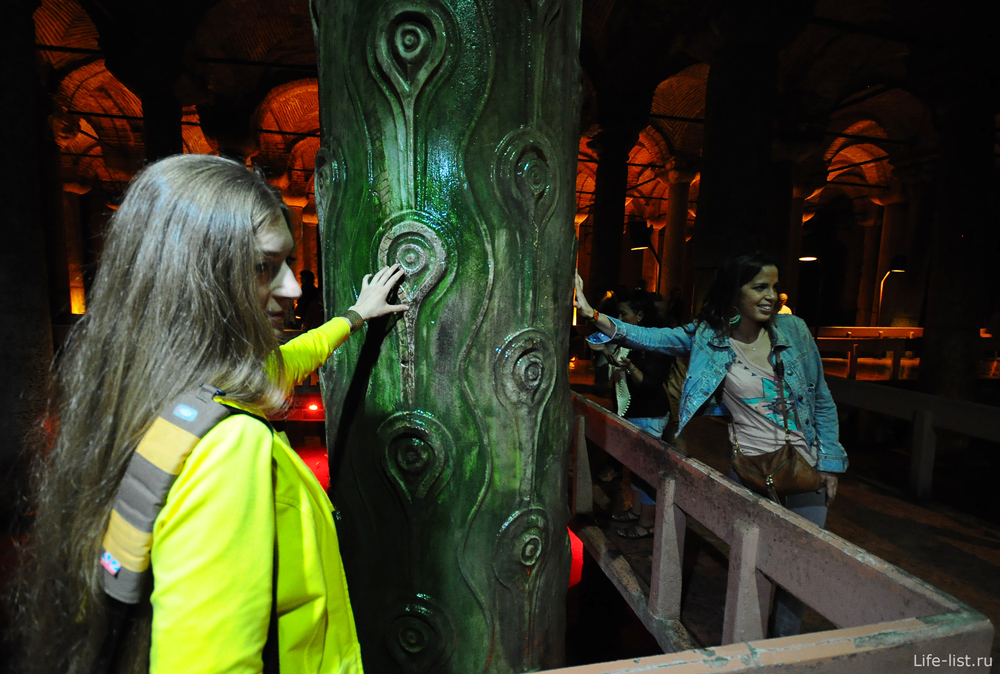 плачущая колона в цистернах базилика