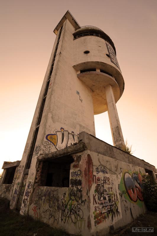 Белая башня памятник архитектуры в Екатеринбурге