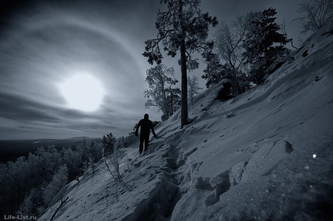 На скалах Белый камень Полввской фото Виталий Караван