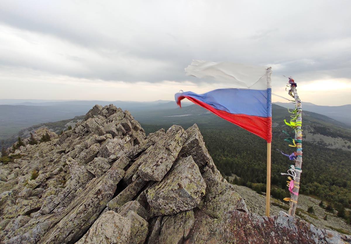 вершина горы Кумардак