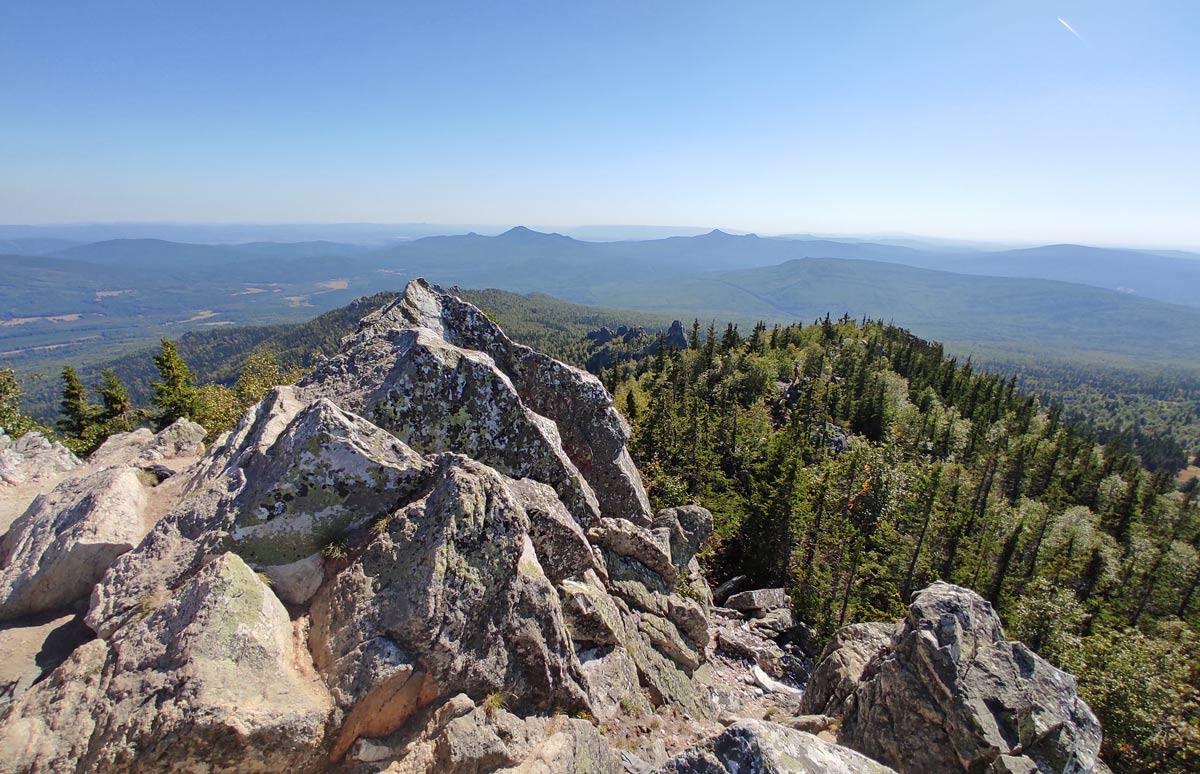 вершина горы Ялангас