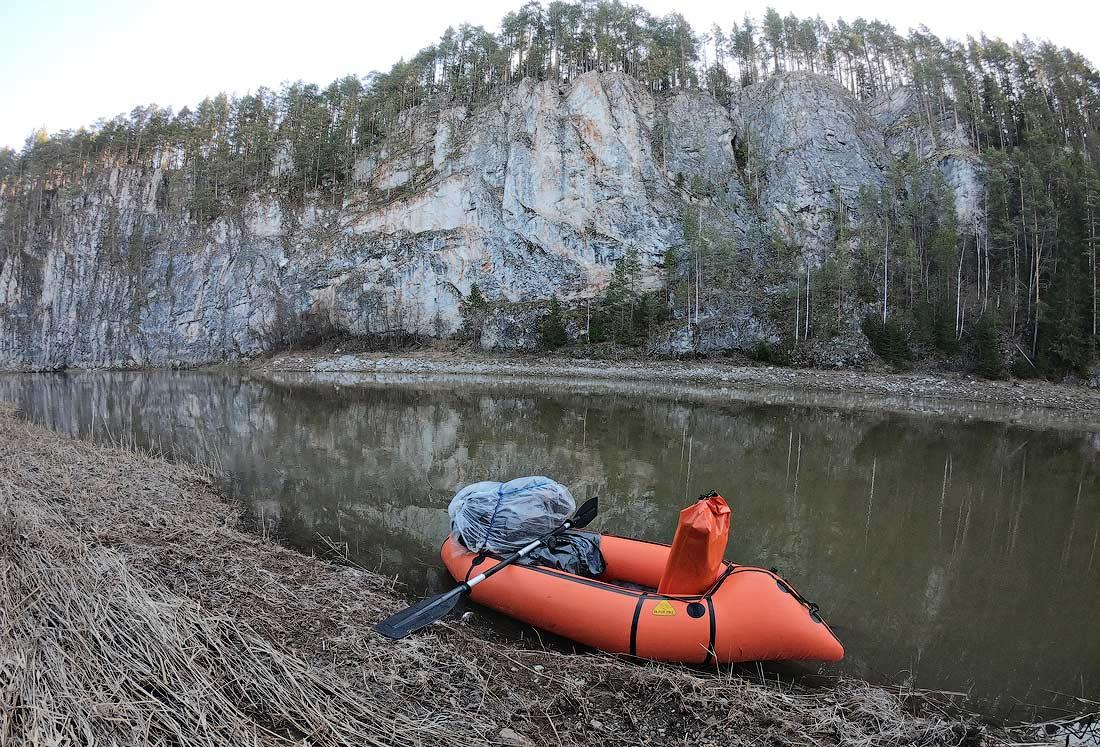 сплав по реке Чусовая на пакрафте на майские праздники камень Высокий