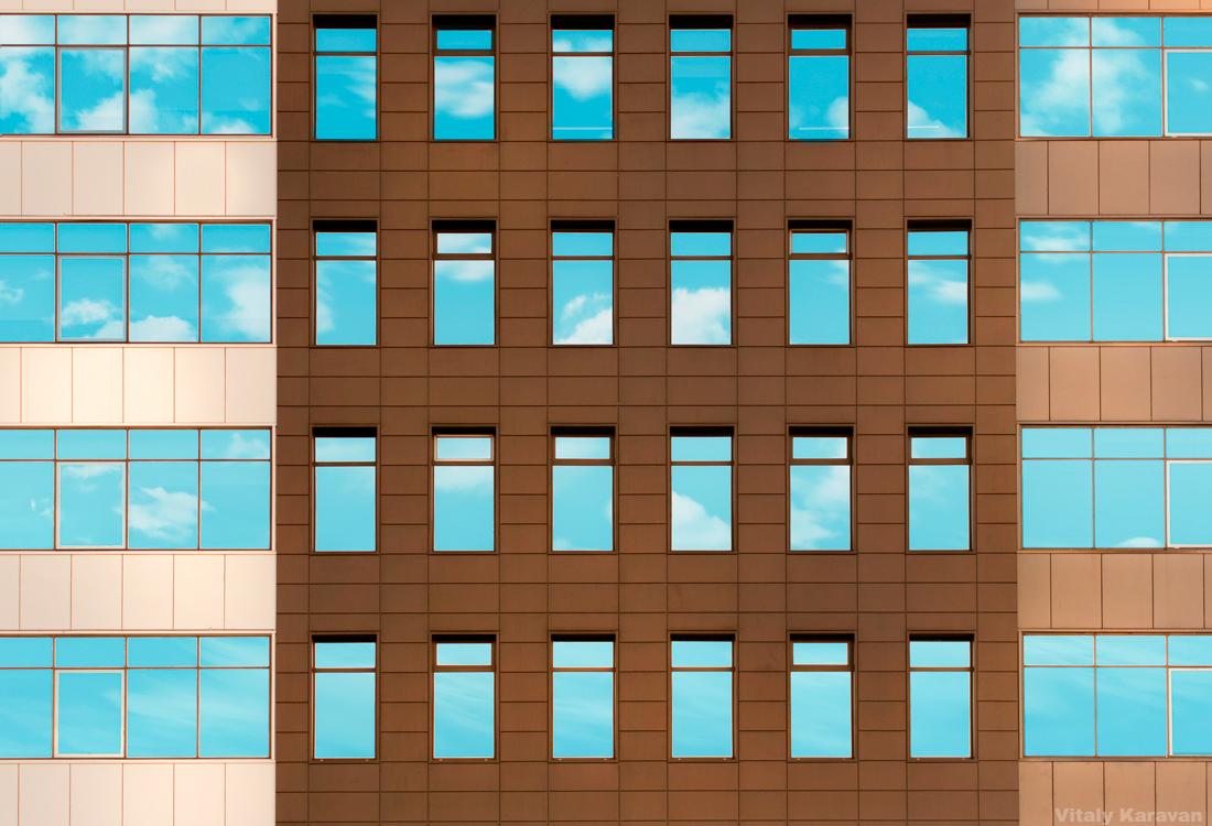 фасад здания Clever Park Екатеринбург фото