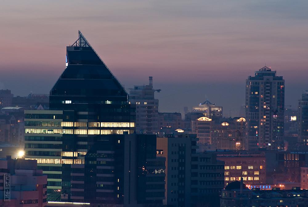 Деловой центр Summit ночной Екатеринбург фотограф Виталий Караван