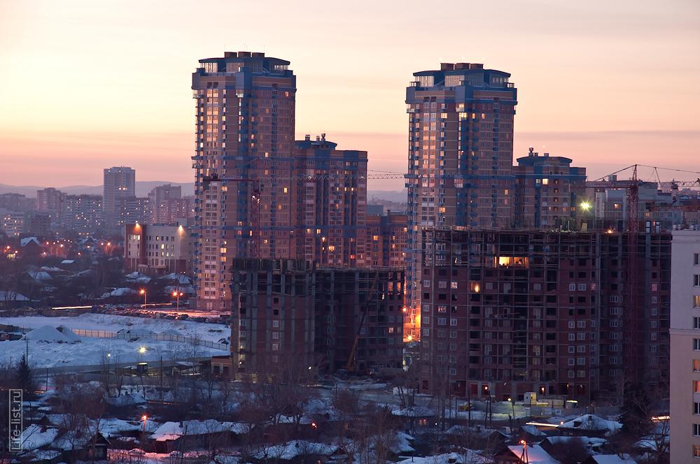 два 25 этажных дома на улице Циолковского Екатеринбург