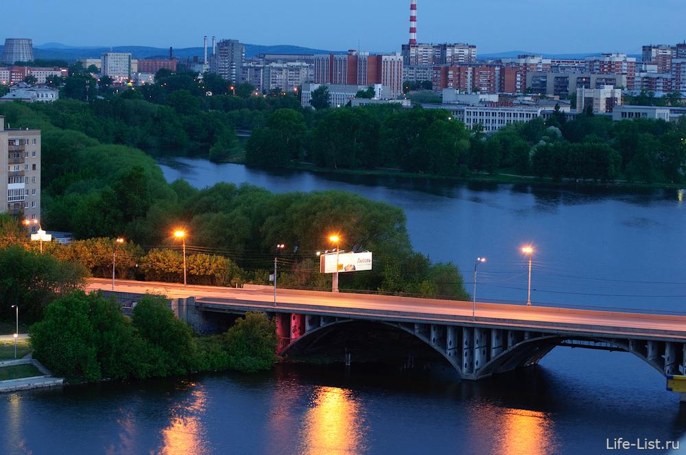 Мост на ул. Челюскинцев, он же Макаровский мост фото