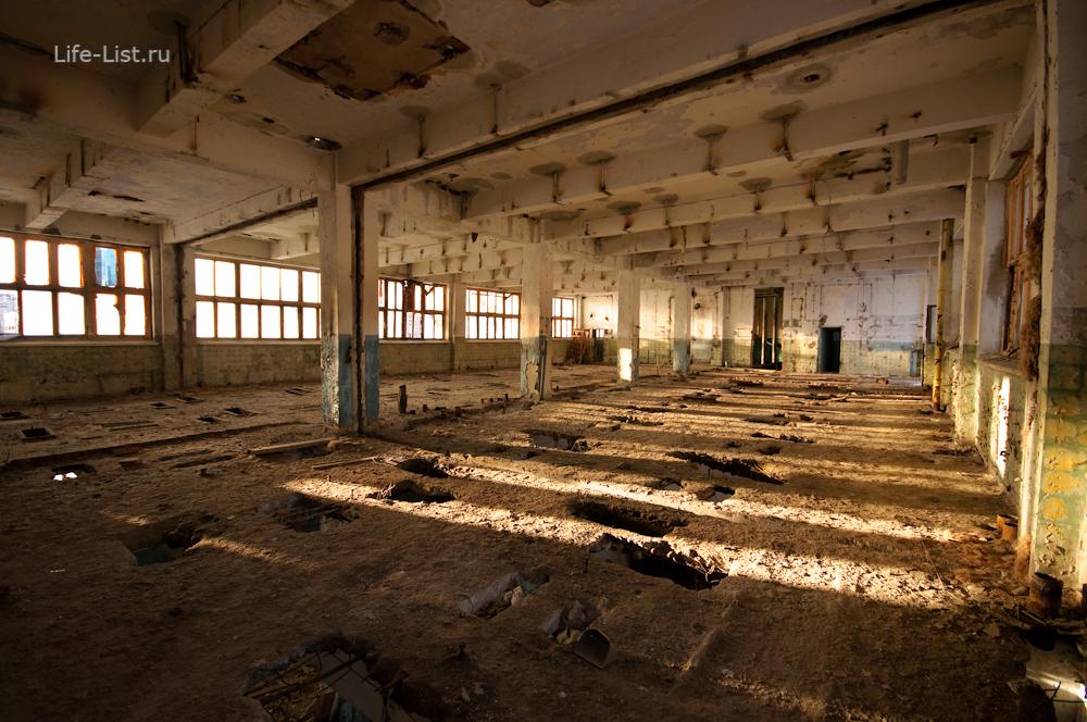 старый заброшенный размольный цех мукомольного завода в Екатеринбурге