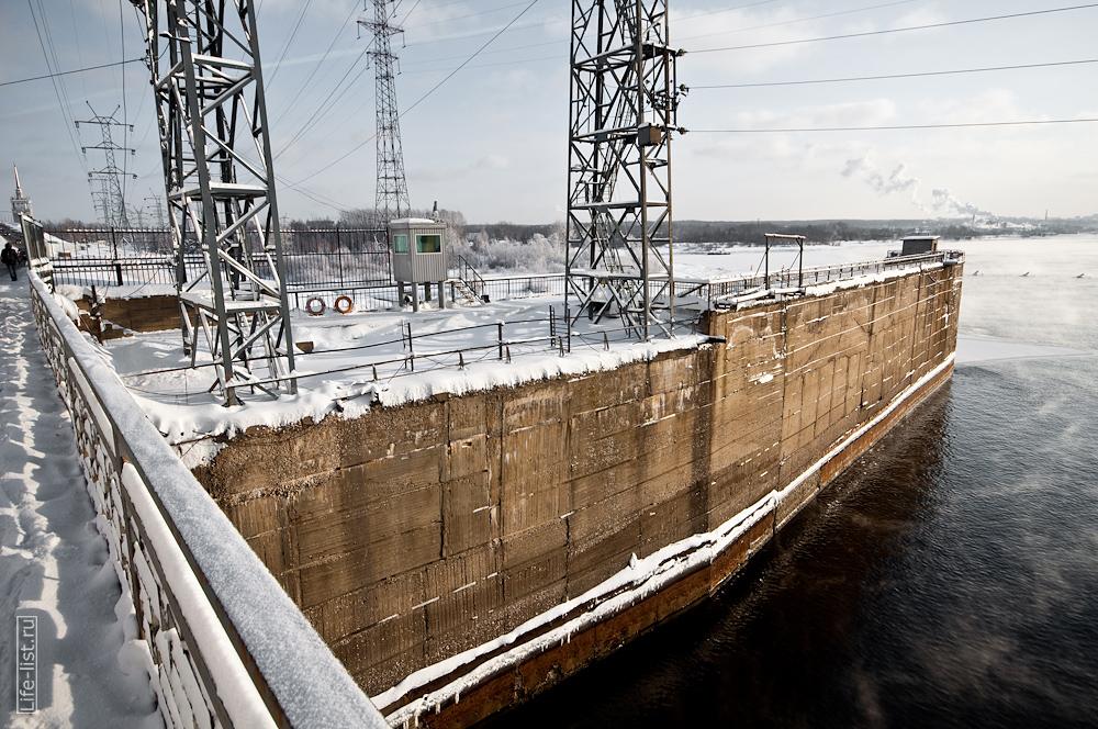 плотина ГЭС на каме