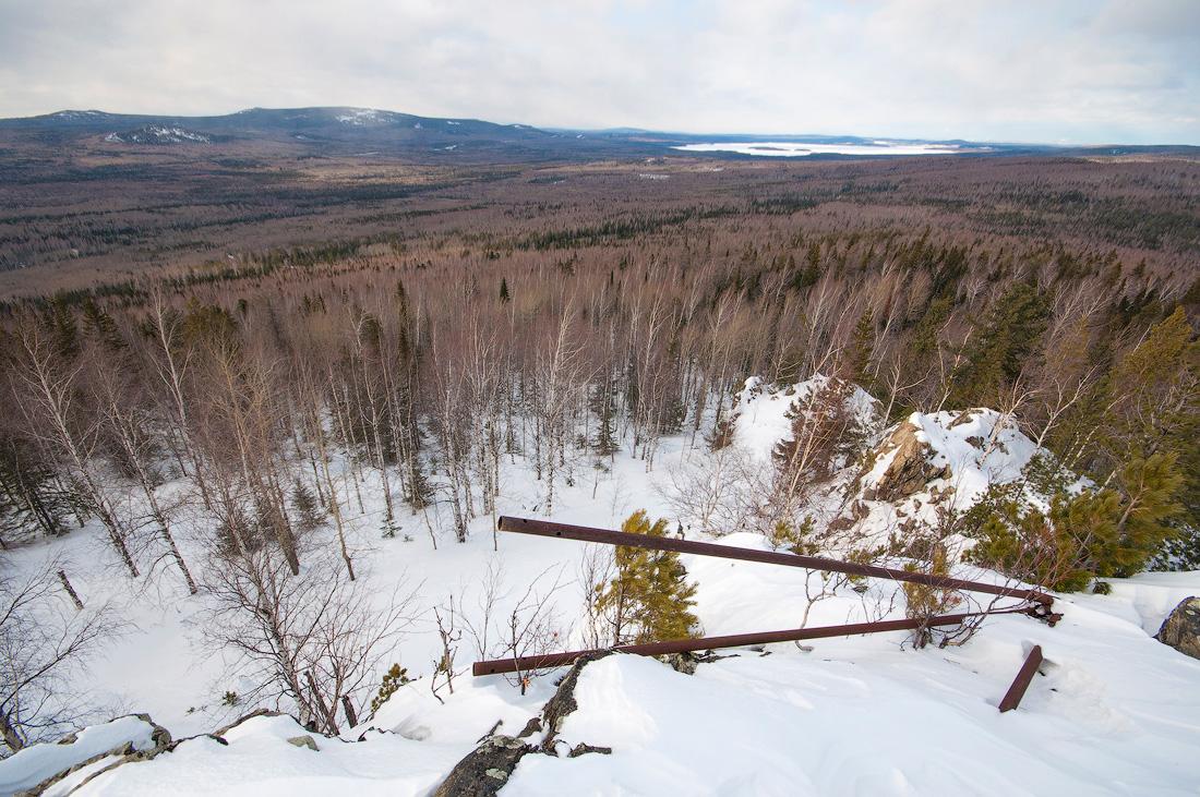Веселые горы вид с горы Аблей Средний Урал