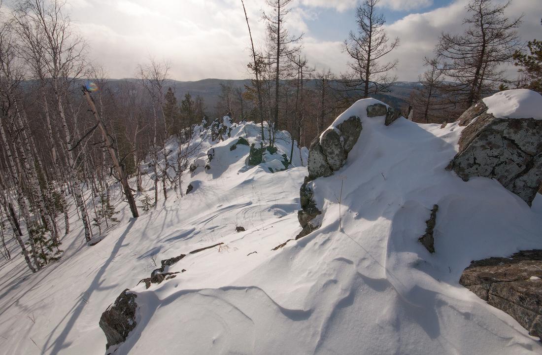 скалы на горе Аблей Средний Урал