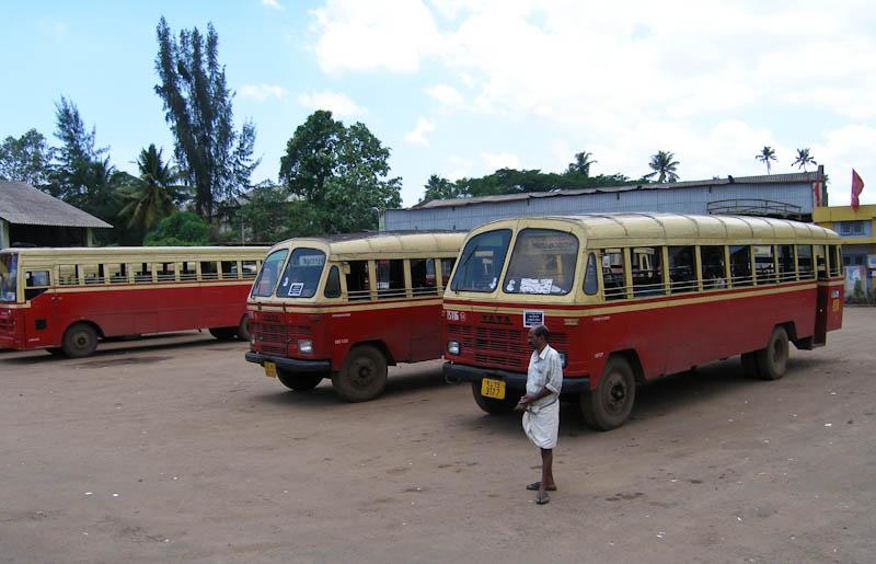 На автобусной станции Эрнакулам