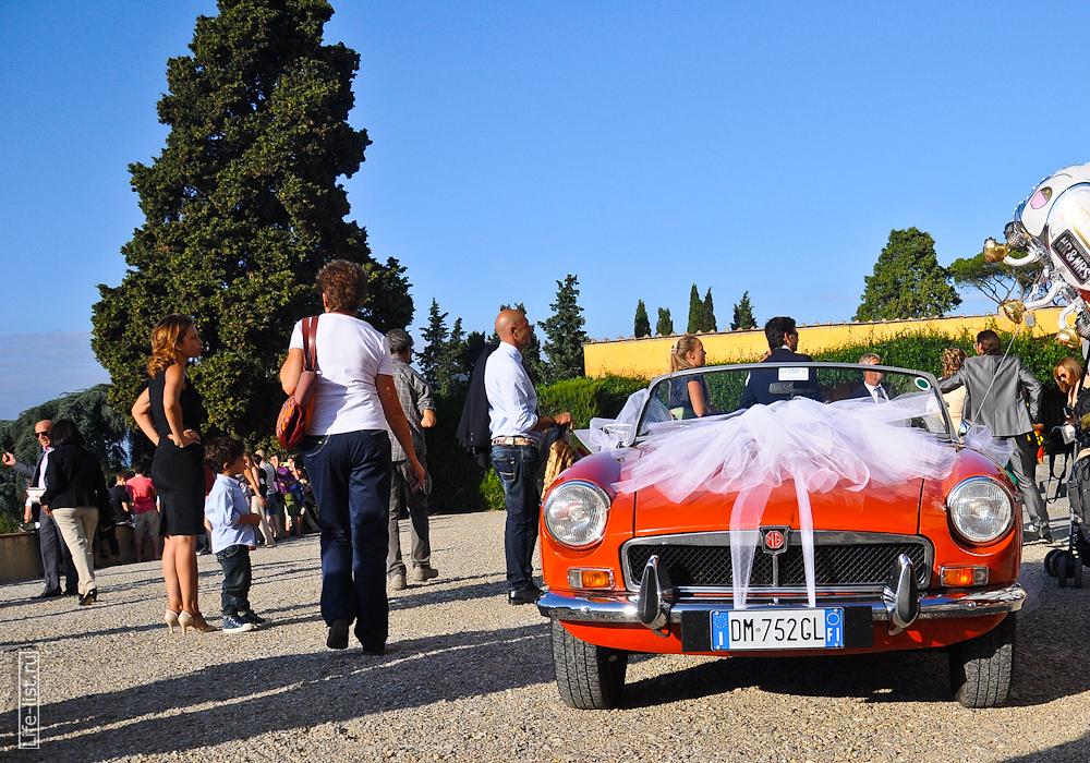 Автомобиль на итальянской свадьбе