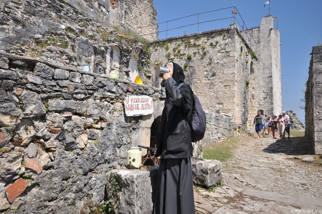 Неиссякаемый колодец Анакопийская крепость