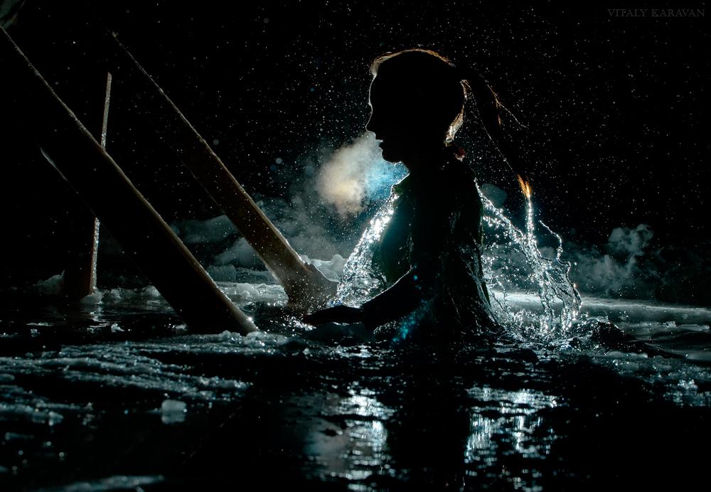 ночные крещенские купания красивое фото Vitaly Karavan 2014 год