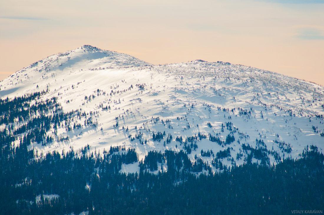 гора Круглица зимой крупный план фото