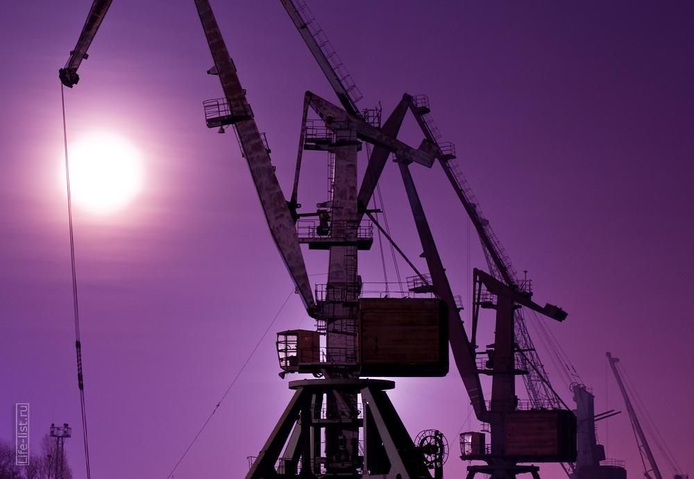 Речной порт в Новосибирске портовые краны фото Виталий Караван