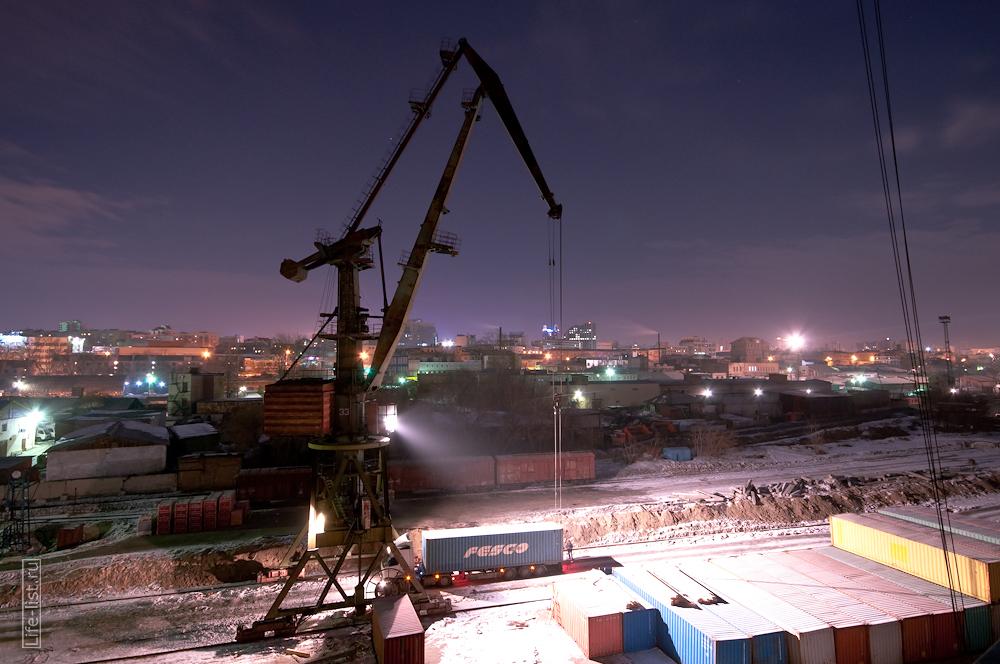 ночь портовый кран за работой фото Виталий Караван