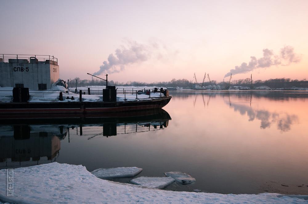 Корабль на реке Обь лед фото Виталий Караван