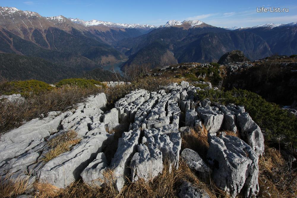 скалы порода на горе Пшегишхва Абхазия поход