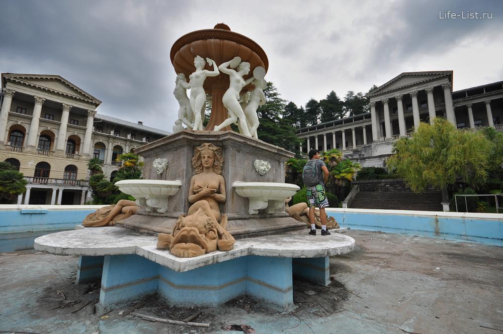 Красивый фонтан в Сочи фото Виталий Караван