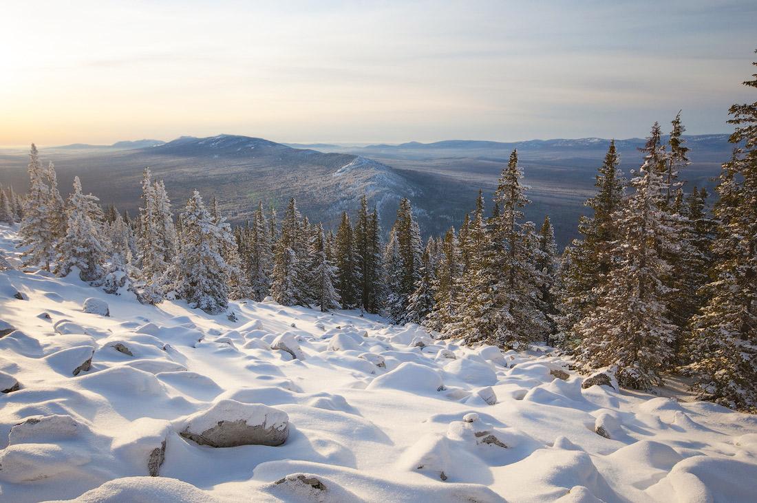 зимняя природа на горе Большой Шелом Южный Урал хребет Зигальга