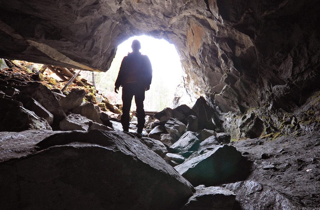слюдяная гора Слюдорудник пещера