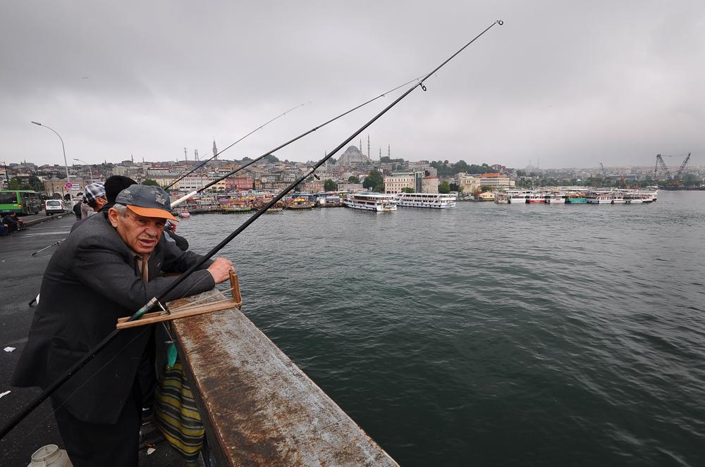 Рыбак на галатском мосту