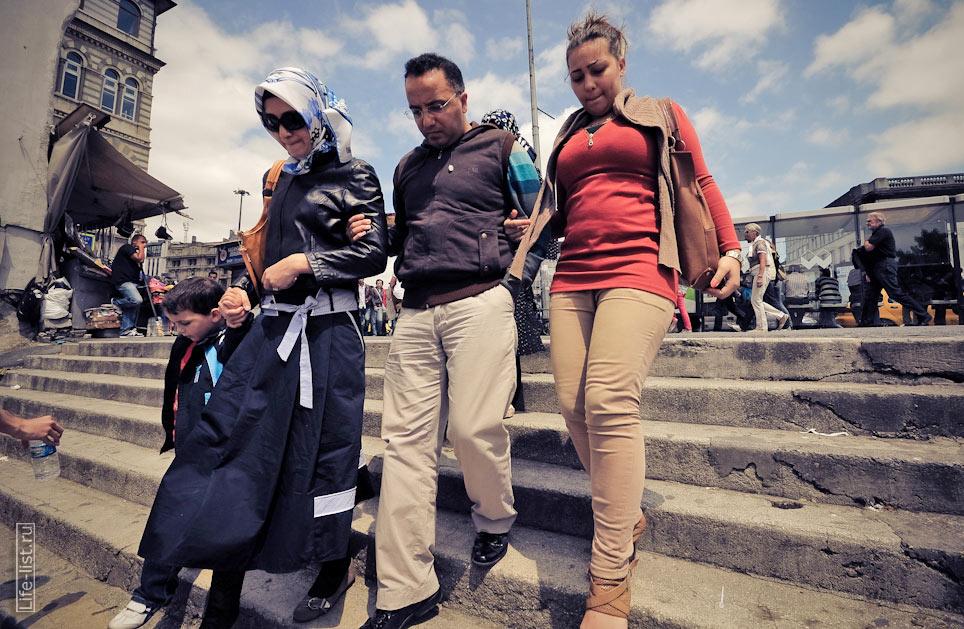 люди в Стамбуле центральная часть