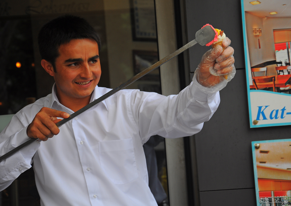 Продавец мороженого в стамбуле Турция