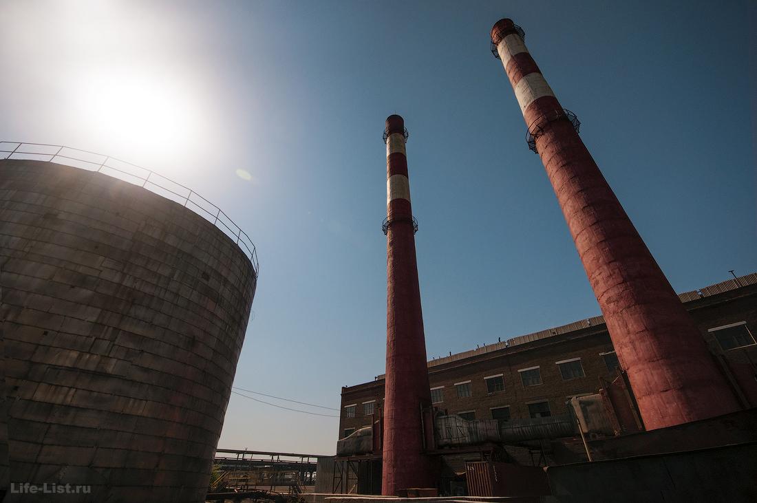 фото трубы завода СУМЗ в городе Ревде