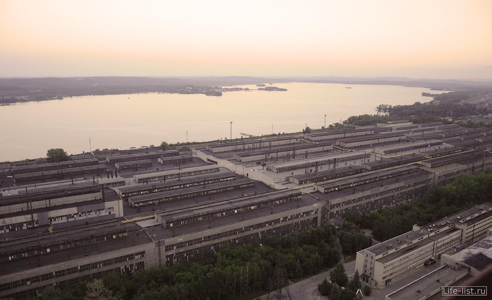 цех виза визовского завода самое длинное здание в Екатеринбурге