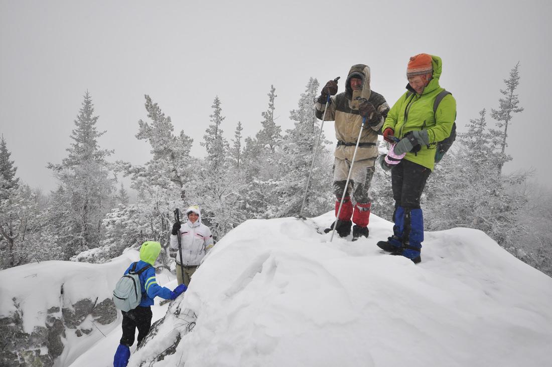 на вершине зимой гора Тураташ
