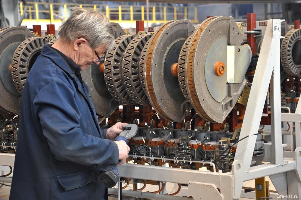 Рабочий Уральские локомотивы