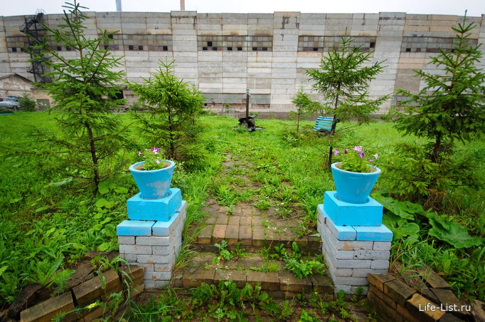 фонтан оазис на территории уфалейского завода металлоизделий