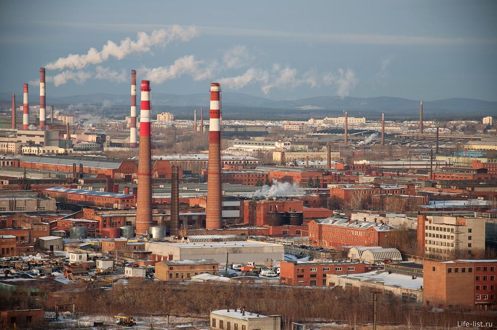 Екатеринбург с высоты промышленная территория заводы трубы