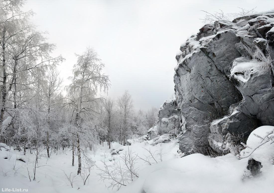 зимние скалы Висячий камень у Новоуральска фото Виталий Караван